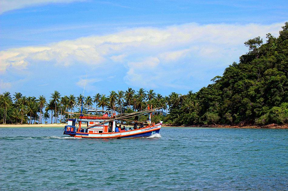 Excursion à la journée sur un bateau privatisé à Koh Chang en Thaïlande