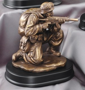 MIL203 Soldier Shooting Statue