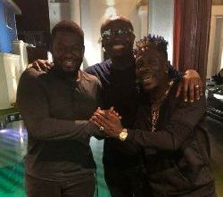 Shatta Wale Bulldog end beef in new picture