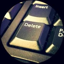 delete button remove images