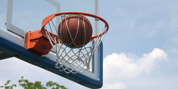 Finding the Best Basketball Hoop for Home Use | Hix ...