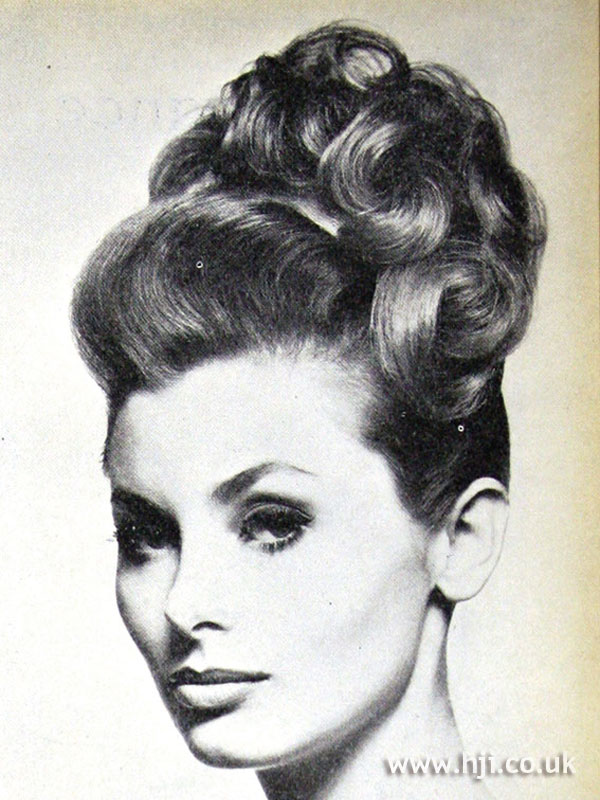 1962 Updo Curls Hairstyle HJI