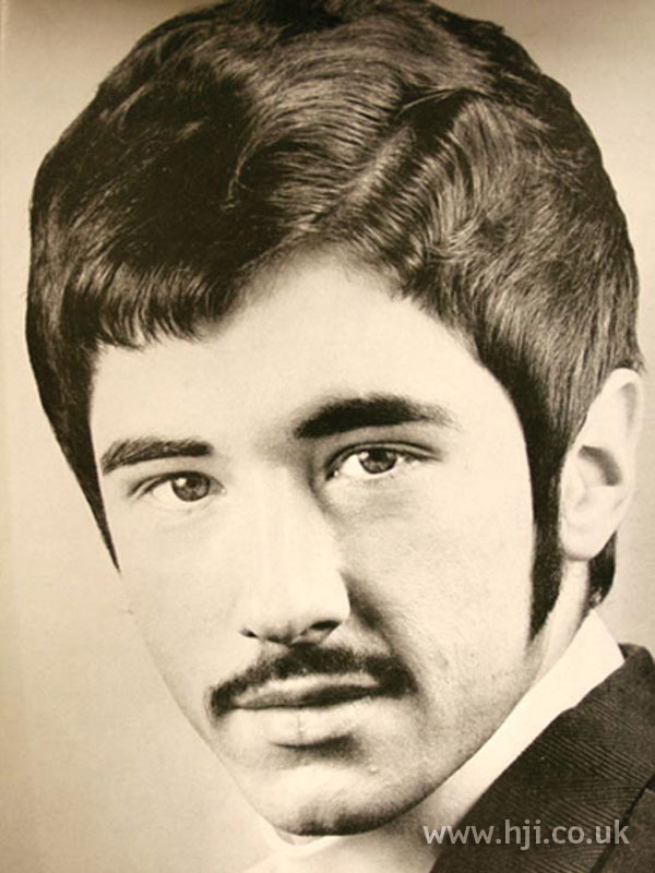 Die haare waren kurz getrimmt, nur das haar am oberkopf durfte leicht auswachsen. 1969 sideburns men hairstyle - HJI