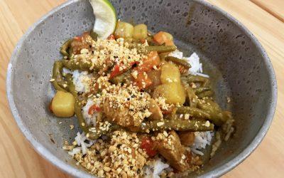 Massaman karry m/ kylling og grøntsager