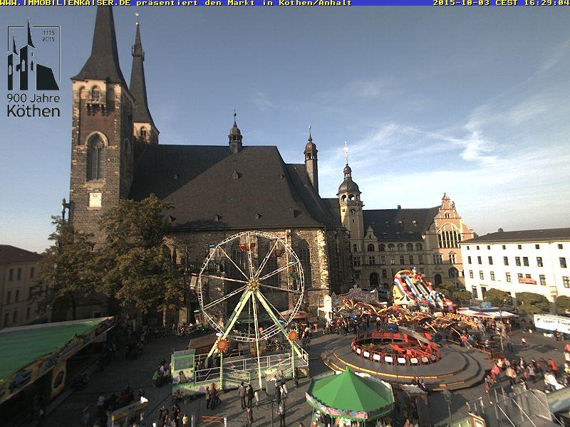 Oktobermarkt 2015 zum Stadtjubiläum in Köthen auf dem Marktplatz