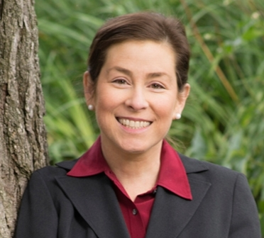 Portrait photo of Jennifer Lerner
