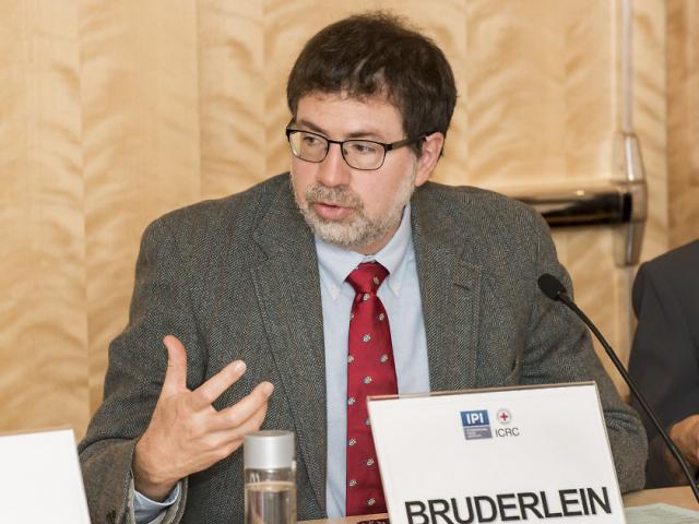 Claude Bruderlein