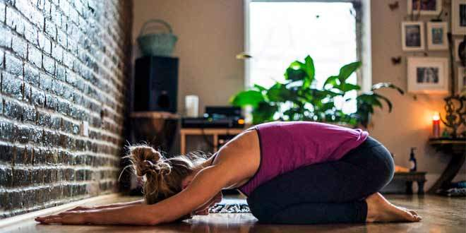 simple_yoga_poses_home_660x330