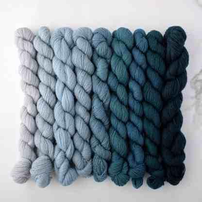 Appletons Mid Blue 151 – 159 - 8 3-