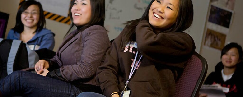 Hmong And Native American Students Pursue Journalism Majors, Cultures