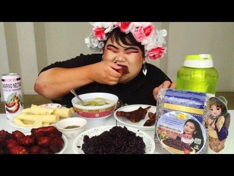 ASMR HMONG FOOD/TSABMIM XYOOJ PURPLE STICKY RICE MUKBANG l PajYeeb Muas
