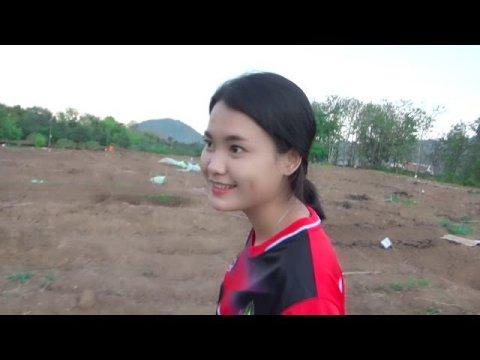 Hmong beautiful girl | Saib hluas nkauj hmoob mus ywg zaub 13/11/2019