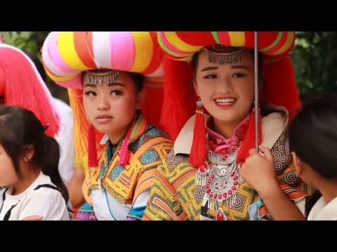 Hmoob Tsoob Kuj Kev Veej Huam - Hmong in Chinese   3Hmoob.net