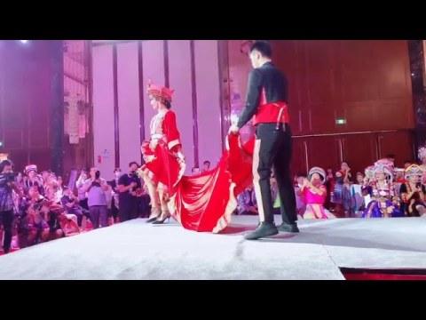 Hmong Fashion Show - Khaub Ncaws Tshiab - 苗族时尚新品服