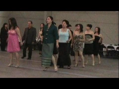 Hmong Line dance - May 2009 La Crosse, WI Party 4
