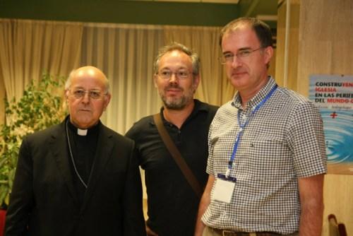 De izquireda a derecha, Ricardo Blázquez en la pasada Asamblea de la HOAC junto al director de NN.OO., Abraham Canales, y el presidente de la HOAC, José Fernando Almazán.