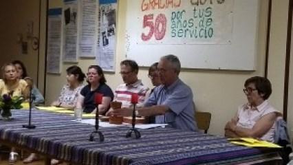Gregorio Burgos celebrando la Eucaristía en la sede la HOAC de Miranda.