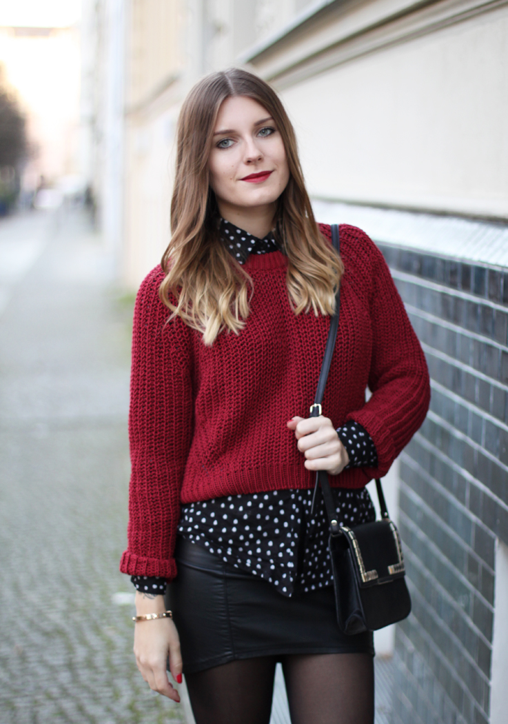 7d8e95f6b9 Here comes one new look where it's all about the color red (plus black of  course) and a pretty cropped sweater… Mango ...