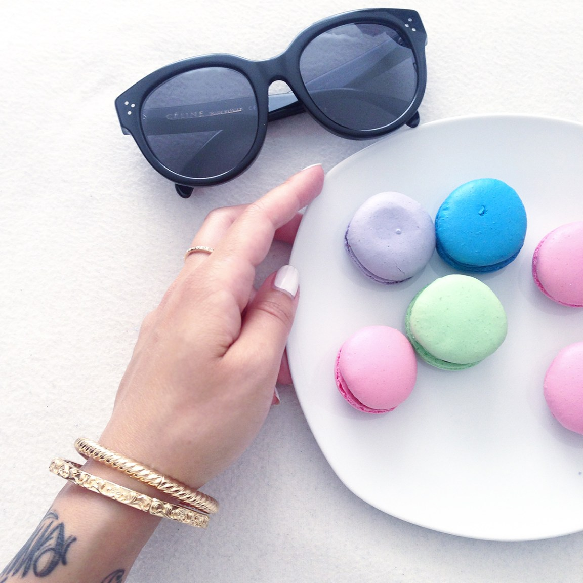 7things_28_macarons