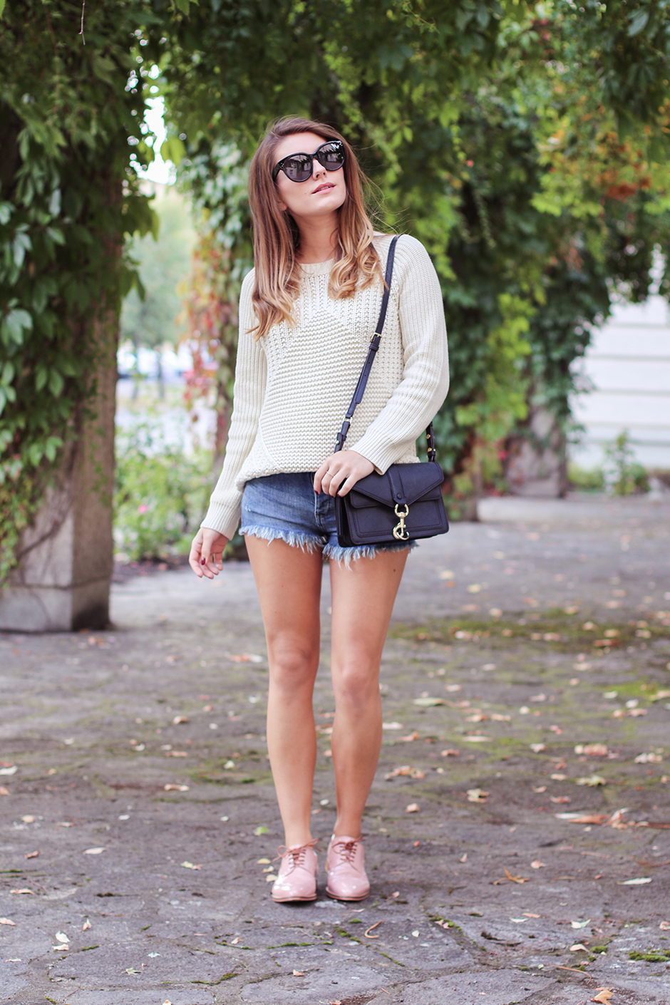 knit_shorts_lace_up_shoes_2