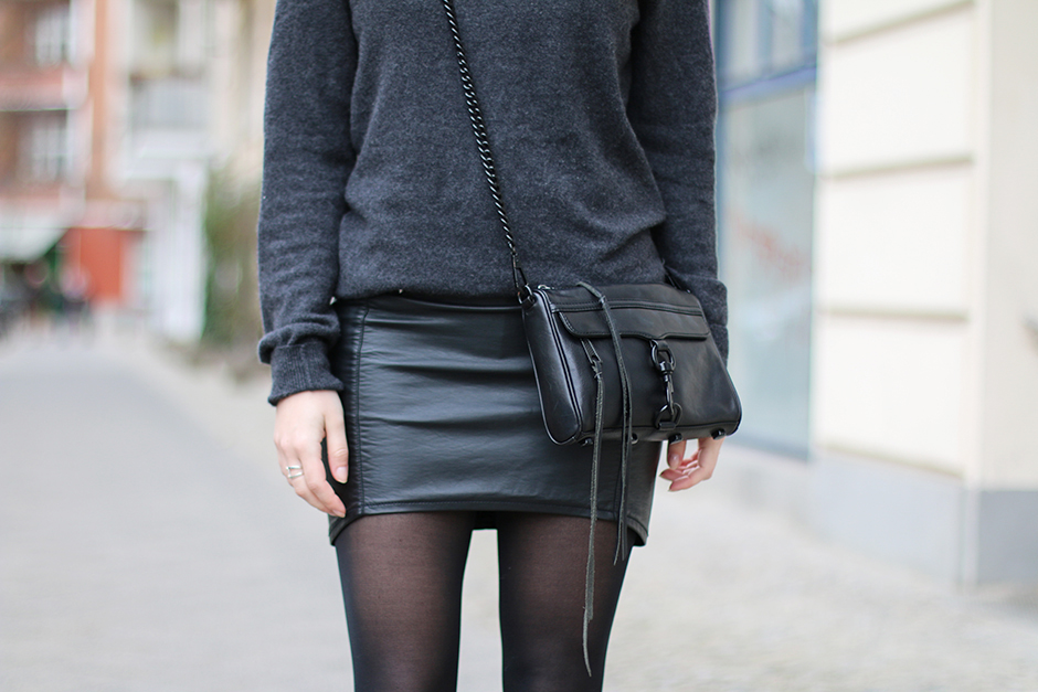 Black_Grey_Red_6