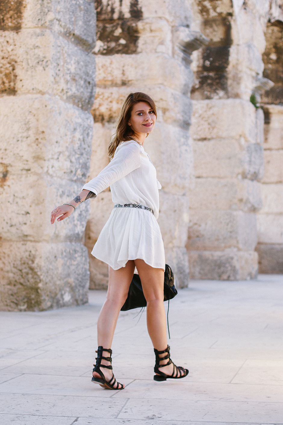 White_Dress_Amphitheater_Pula_4