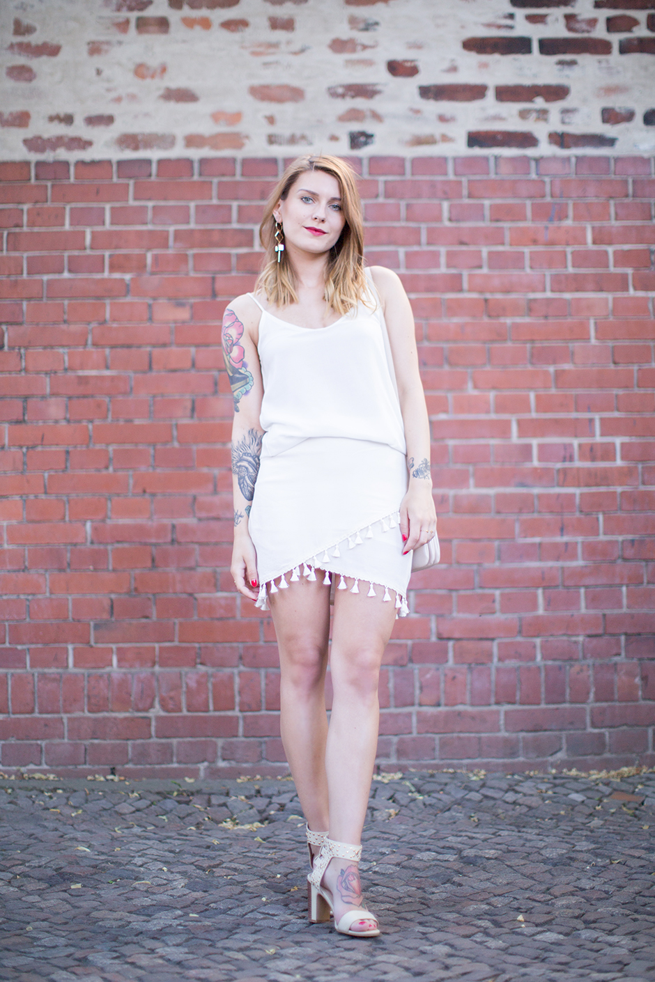 All_White_Tassel_Skirt_2