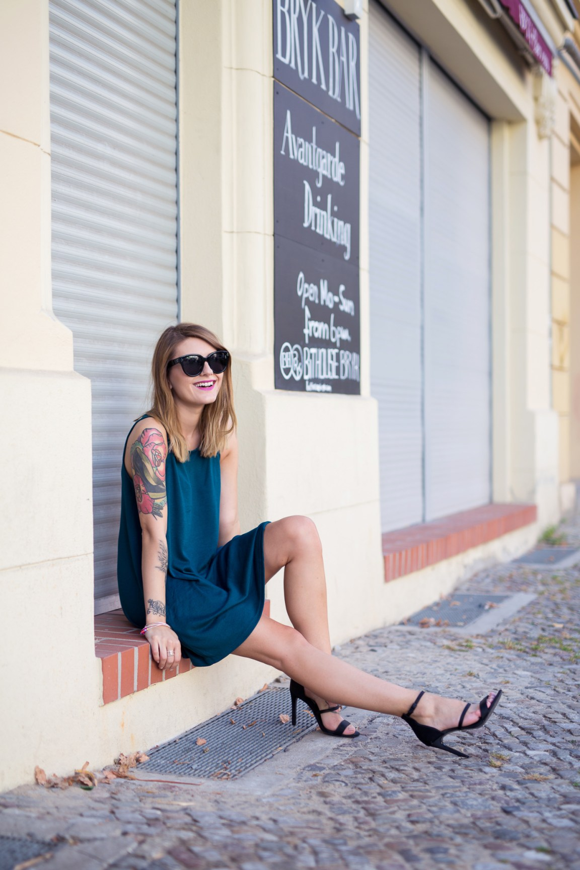 Black_and_Green_Dress_1