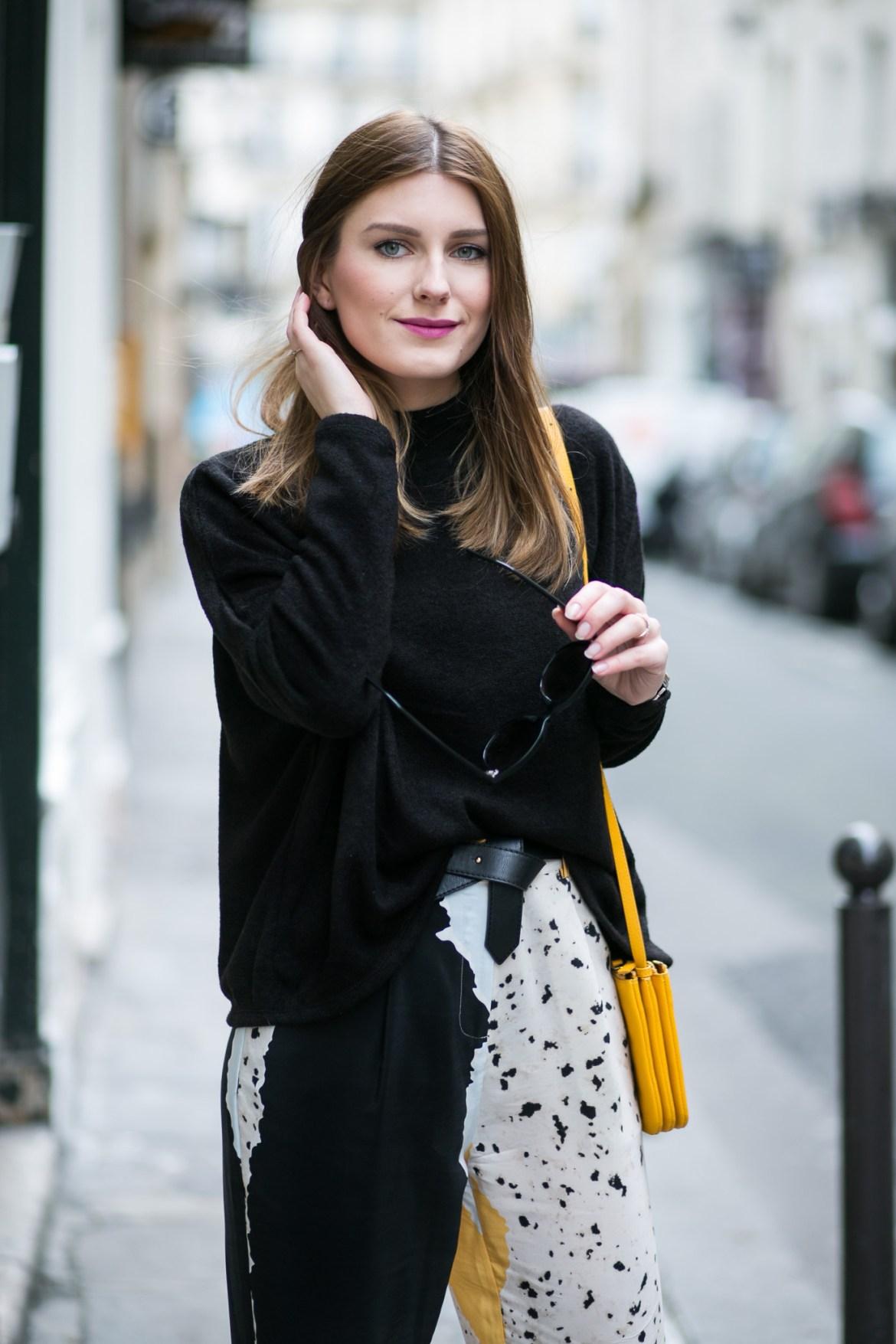 Paris_Black_and_Yellow_2