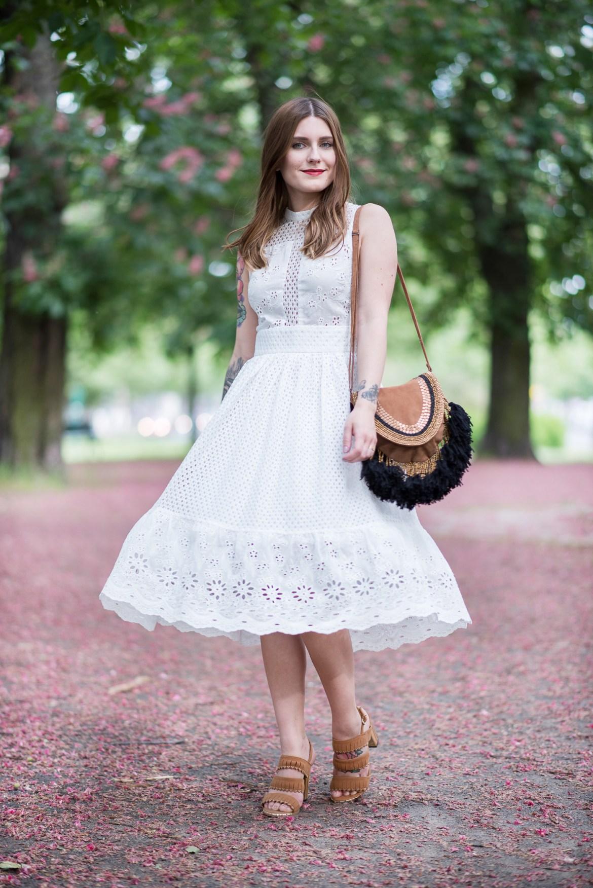 White_Lace_Dress_4