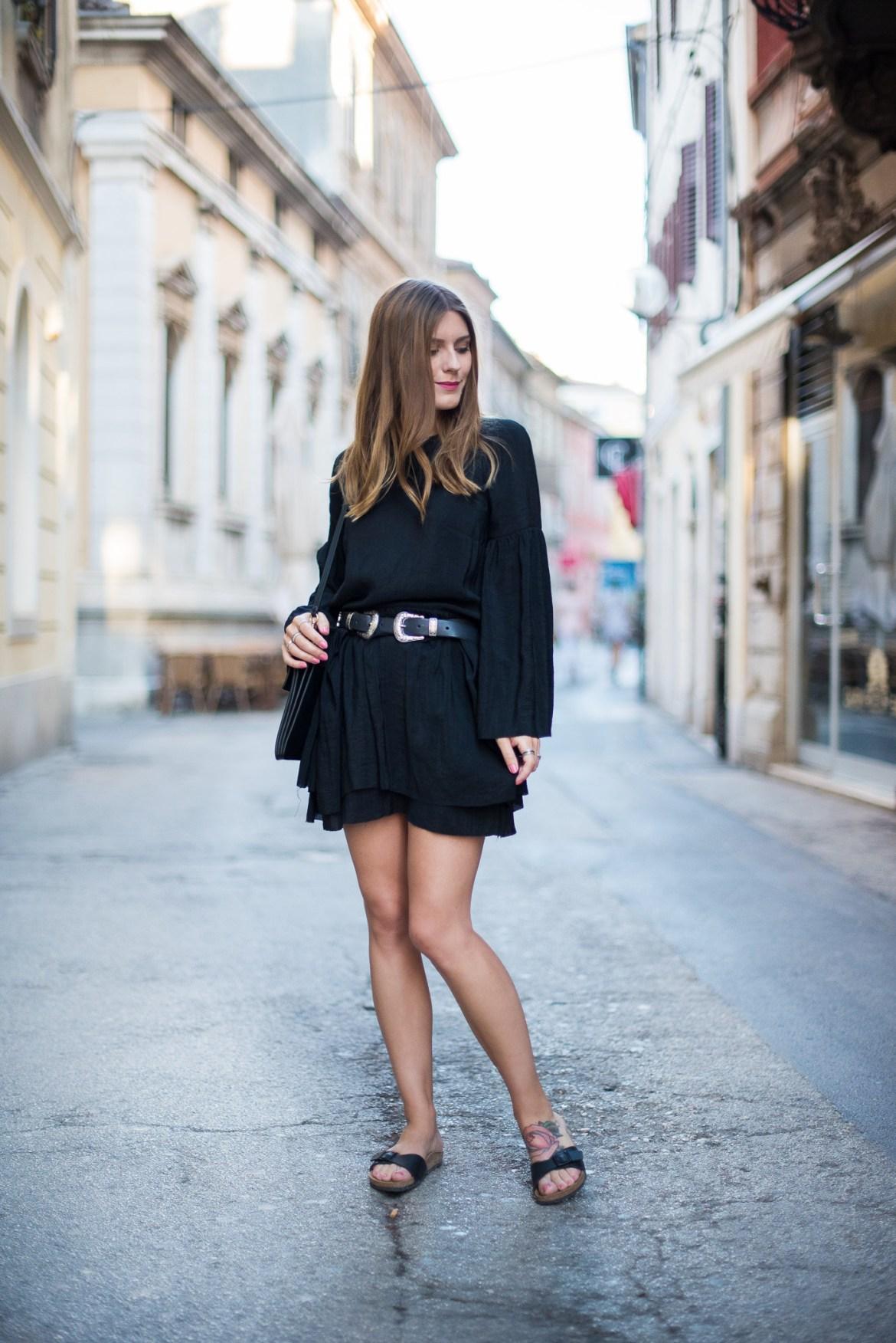 Little_Black_Dress_Birkenstock_Summer_Outfit_1