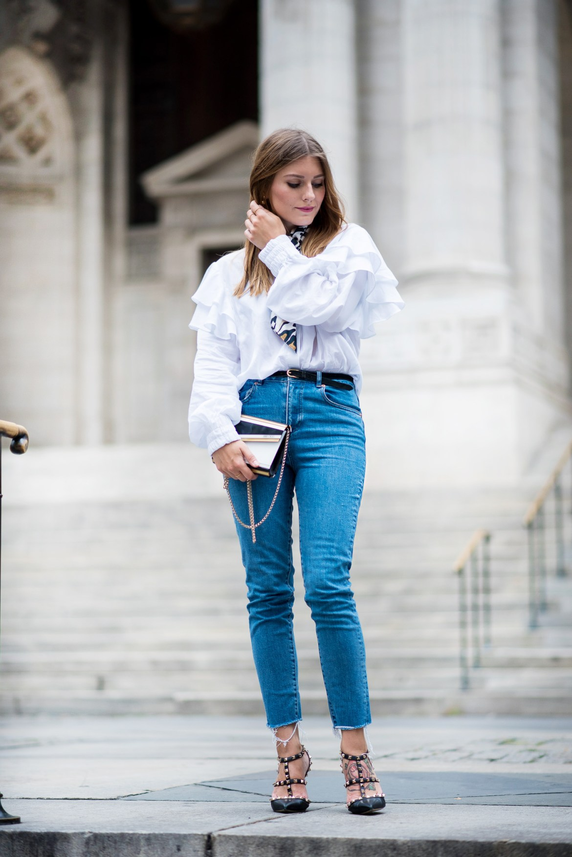 NYFW_Outfit_Mom_Jeans_Carrie_Moment_1