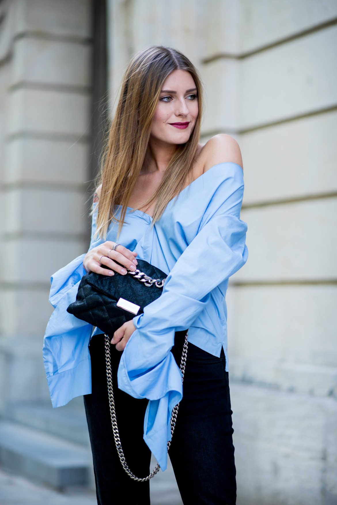 big_sleeves_and_fringed_jeans_6
