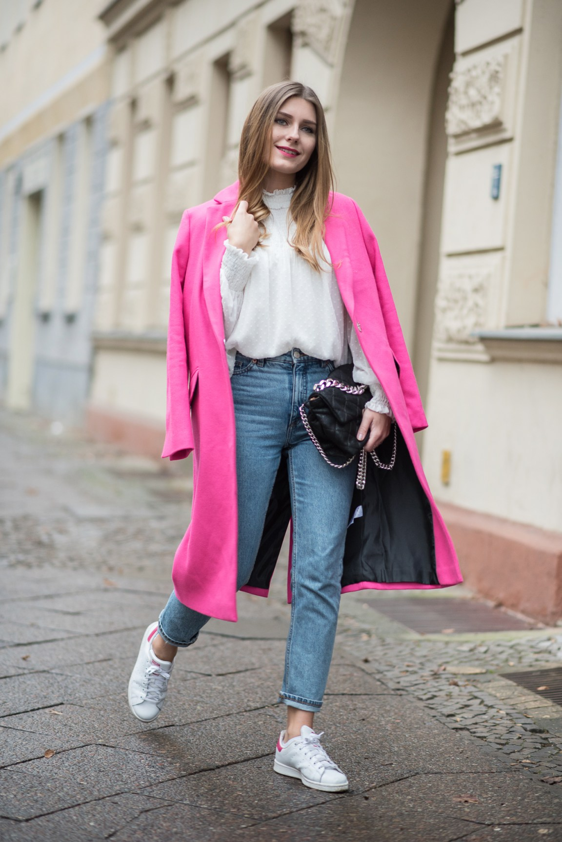 on_monday_wear_pink_topshop_coat_4