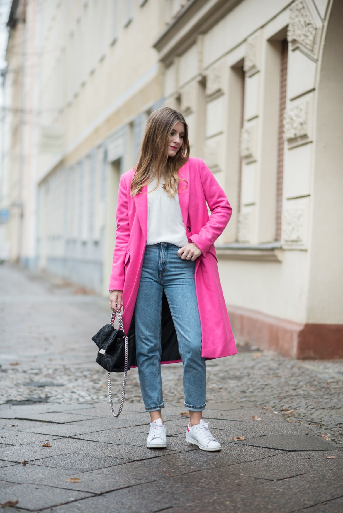 on_monday_wear_pink_topshop_coat_6