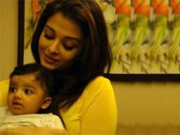 About: Aishwarya Rai's Beti B's new picture leaked
