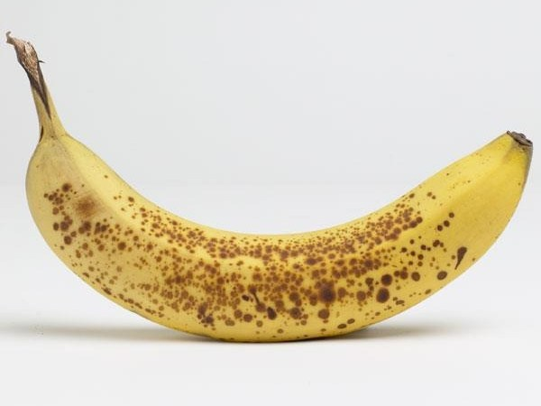 Full Ripe Banana with Dark Patches Combats Abnormal Cells and Cancer – Facts Analysis