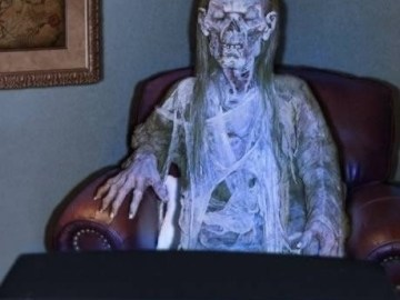 Picture about Skeleton Woman Dead in Front of TV for 3 Years