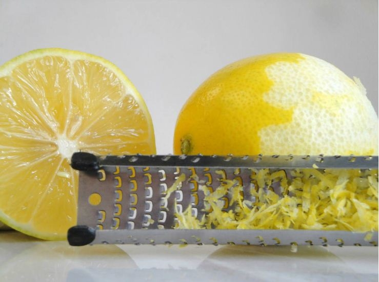Picture Suggesting Frozen Lemons Kill Cancer, 10,000 Times Stronger than Chemotherapy