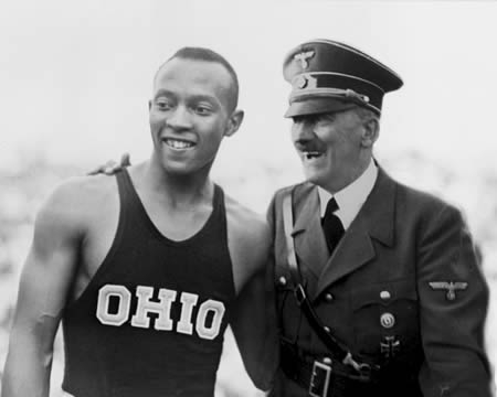 Picture of Jesse Owens and Adolf Hitler Shaking Hands at the 1936 Olympics