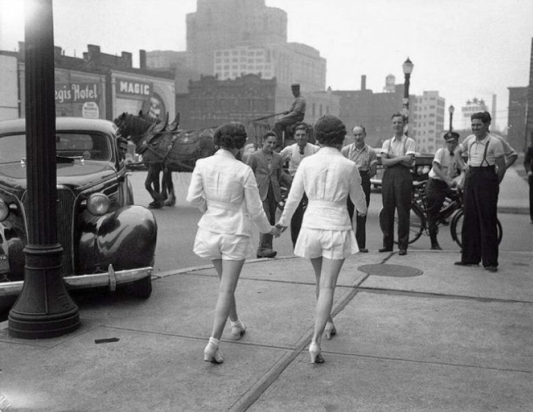 Picture Suggesting Women Wearing Shorts in Public for the First Time Cause Car Accident