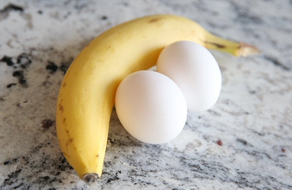 Young Man Dies after Eating Egg and Banana: Fact Check