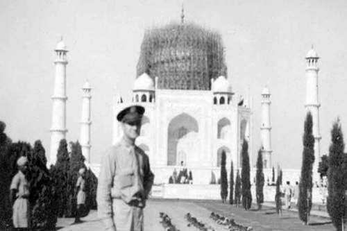 Picture of Taj Mahal Protected During WW2