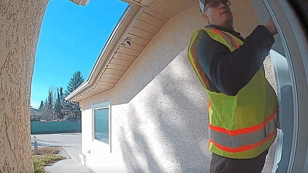 Fake Government Utility Workers Robbing Homeowners: Fact Check