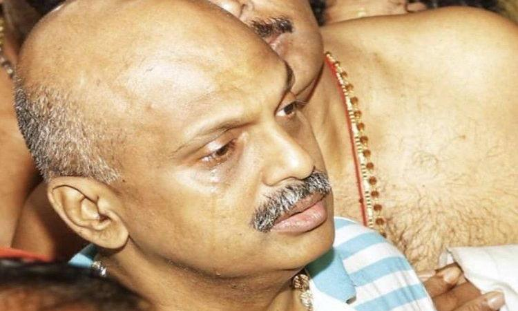 IG Sreejith Crying & Repenting in Front of Lord Ayyappa: Fact Check