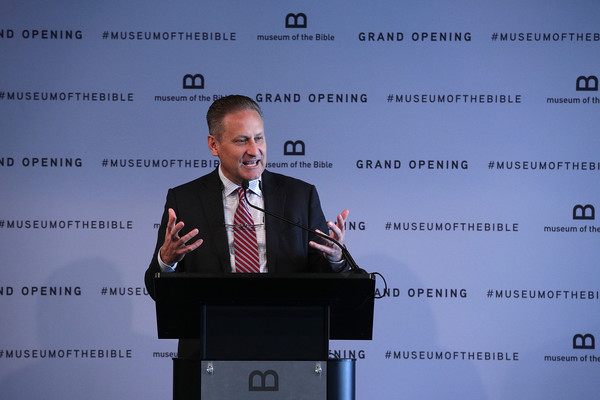 Image of Steve Green at the press conference of opening of the Museum of the Bible