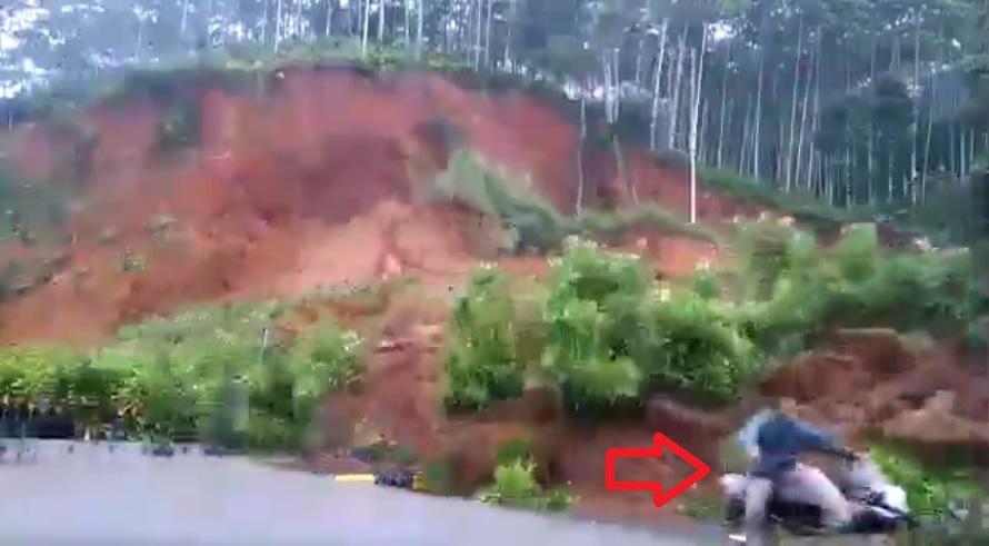 Image about Massive Landslide on Guwahati-Shillong Road, Video