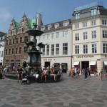 Illum bolighus, Royal Copenhagen, Georg Jensen og Luis Vuitton - farlig husrekke... Heldigvis ligger Disney der også...