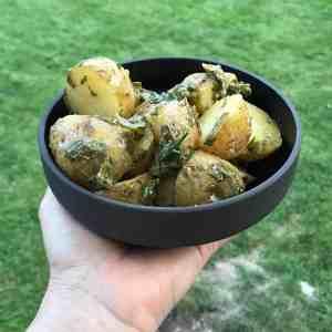 Fransk potatissallad med mycket dressing