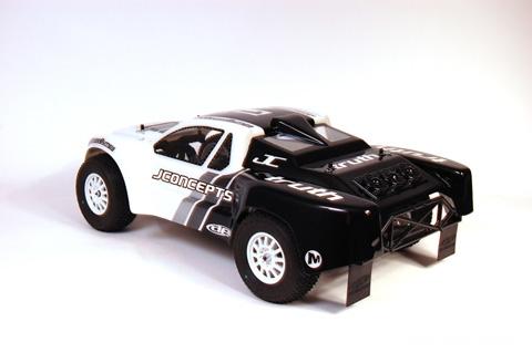 gomme-associated-sc10-traxxas-slash-short-course-truck2